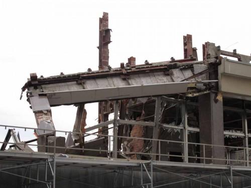 Bending beam at northern portion of Slater Street elevation