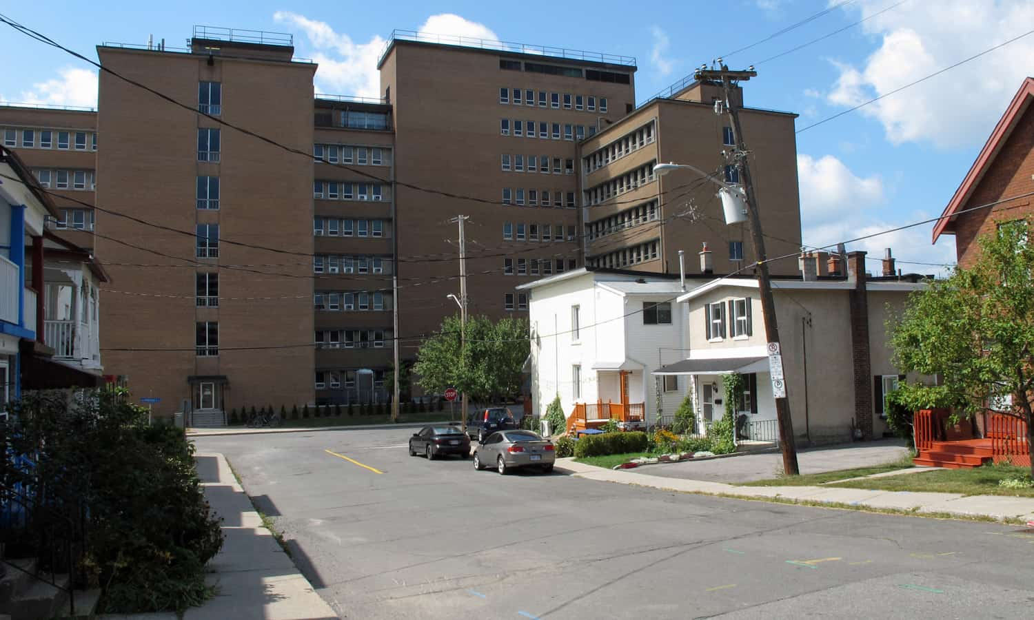 Looking west from the Dalhousie South residential neighbourhood towards the east elevation of the Geological Survey Building